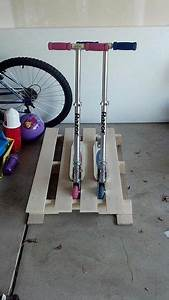 Accroche Murale Velo : 17 best ideas about scooter storage on pinterest diy bike rack bicycle storage and scooter ~ Dode.kayakingforconservation.com Idées de Décoration