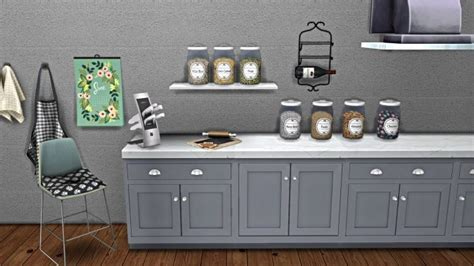 KITCHEN CLUTTER at Leo Sims  . I WANT THAT COUNTER