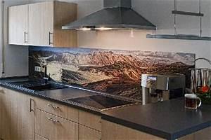 Küche Fliesenspiegel Plexiglas : online pr spezialist mit druck l sst sich die k che g nstig umgestalten ~ Markanthonyermac.com Haus und Dekorationen