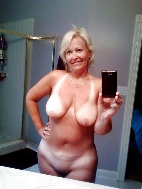 Milf And Hot Mom Selfies Pics Xhamster