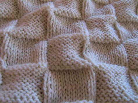 copertina a maglia hobby lavori femminili ricamo uncinetto maglia
