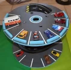 Jeux De Voiture Reel : garage pour petites voitures nos petits jeux pinterest petites voitures touret et garage ~ Medecine-chirurgie-esthetiques.com Avis de Voitures