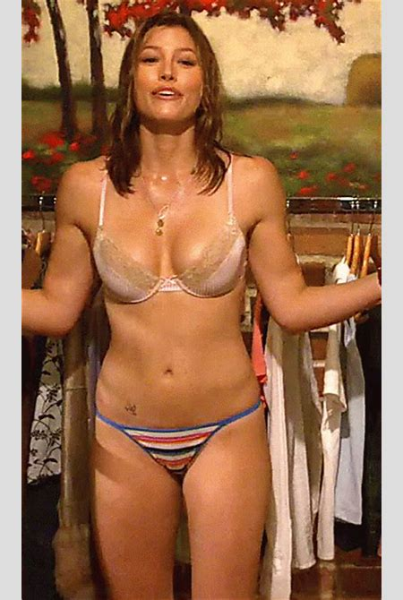Jessica Biel's Sexiest Shots as Animated GIFs (26 gifs) - Picture #8 - Izismile.com