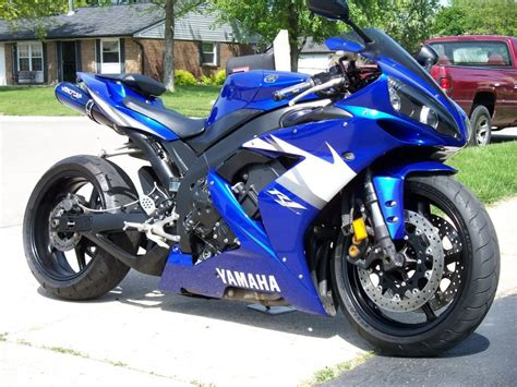 Yamaha R1 Image by Yamaha R1 Review And Photos