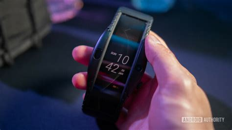 nubia alpha on review this smartwatch thinks it s a
