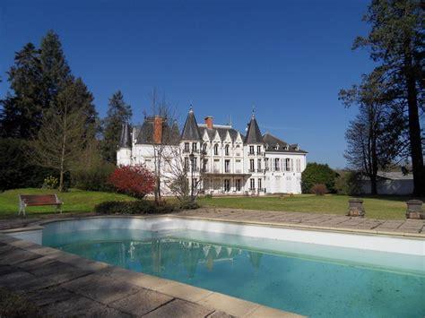 hotel avec piscine et dans la chambre chambres d 39 hôtes château de la motte chambres d 39 hôtes noailly