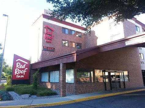 Picture Of Red Roof Inn Seattle Concrete Roof Tile Paint Review Atlanta Roofing Contractors Inc Metal Supply Birmingham Al Galvanized Sheet Rolls Gardens Club London Red Inn Promo Code Aaa Corrugated Steel Sheets Scotland What Thule Rack Fits My Car