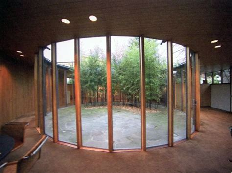 images  courtyards mid century modern  pinterest aluminum company modern