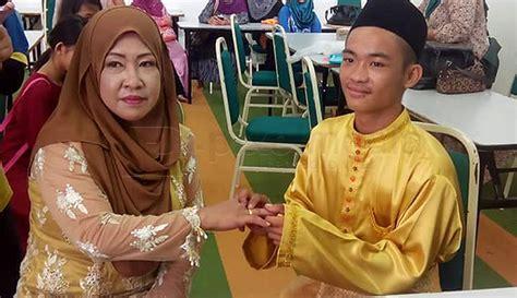 Remaja 18 Tahun Nikah Pasangan Berusia 42 Tahun The