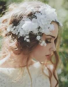 Couronne De Fleurs Mariée : coiffure mariage boheme couronne ~ Farleysfitness.com Idées de Décoration