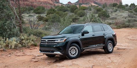 vw beefs  atlas suvs   basecamp appearance package
