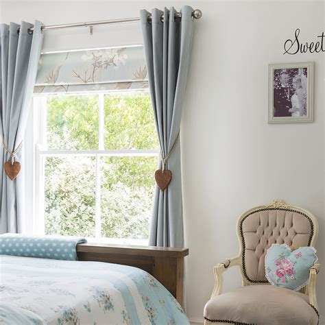 Window Blinds And Curtains by 13 Beautiful Window Dressing Ideas