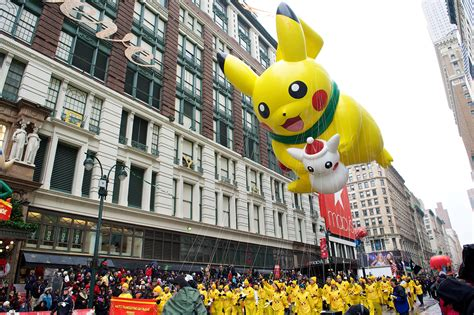 macys thanksgiving day parade  route info spots