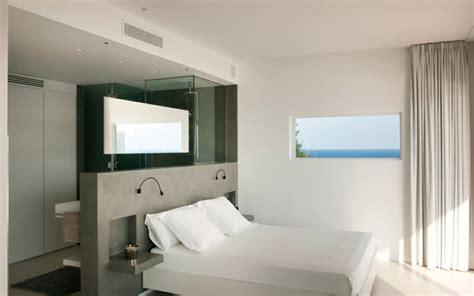 chambre avec salle de bain ouverte chambre avec salle de bain fusion d 39 espaces harmonieuse