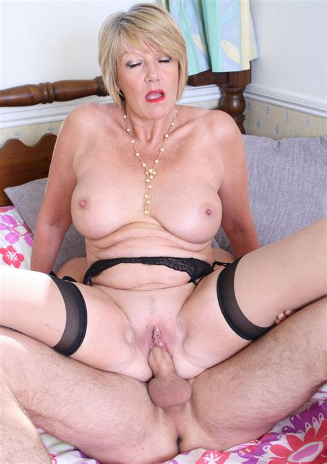 Amy 649871  In Gallery British Mature Amateur Model Amy Picture 11 Uploaded By Bluffer69 On