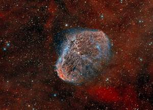 Narrowband image of the Crescent Nebula in Cygnus ...