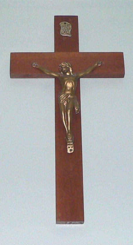 Filesmall Crucifixjpg  Wikimedia Commons