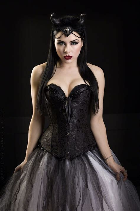 pin by alicia frost on clothes in 2019 gothic beauty