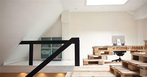 desain interior kantor tampil minimalis palet bekas
