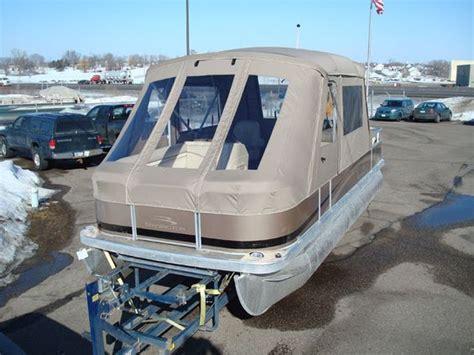 Bennington Pontoon Boat Cer Enclosure by Pontoon Boat Enclosures Minnesota Pontoon Covers