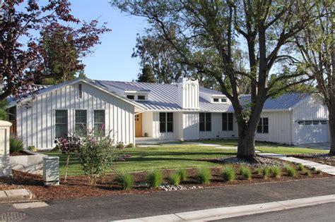 contemporary ranch style home contemporary exterior