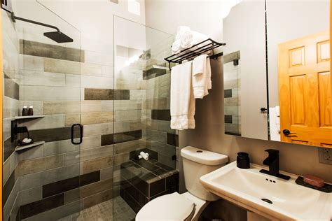 unit 2 2 bedroom 2 bath heretic condos
