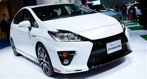 top  fuel efficient hybrid cars price  pakistan