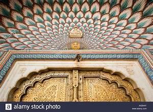 Lotus gate at city palace jaipur Stock Photo: 16709450 - Alamy