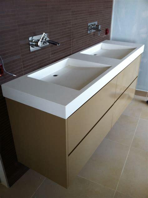 salle de bain meuble laque et plan vasque en acrylique vella cr 201 ation bois