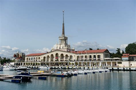 Chinese Tourists To Explore Sochi Seaside Resorts With New