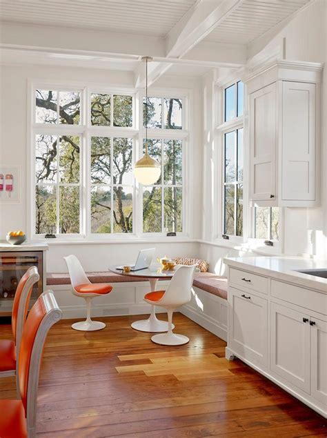 coin banquette cuisine la chaise tulipe une icône emblématique du design