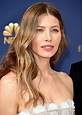 Emmys 2018 Beauty: How to Get Jessica Biel's Loose Waves