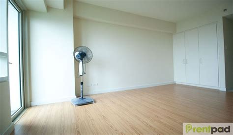 studio semi furnished   grove  rockwell  ortigas cente eeee