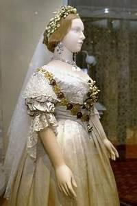 Pflaume Königin Viktoria : royale brautkleider diese k nigin ist das braut vorbild von kate meghan co ~ Eleganceandgraceweddings.com Haus und Dekorationen