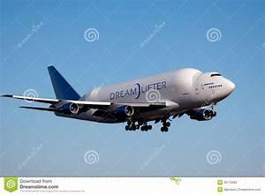 Boeing Dreamlifter In Everett Washington Editorial Stock ...