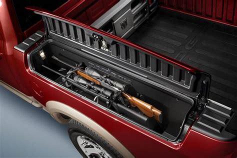 chryslers  ram outdoorsman features gun rack