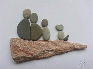 Basteln Mit Steinen : bild aus kieselsteine familie hund von tamikra auf ~ Watch28wear.com Haus und Dekorationen