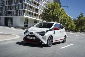 Prix Toyota Aygo : essai toyota aygo 1 0 vvt i 2018 encore plus pimpante l 39 argus ~ Medecine-chirurgie-esthetiques.com Avis de Voitures