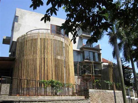 desain rumah minimalis  bambu kontraktor renovasi