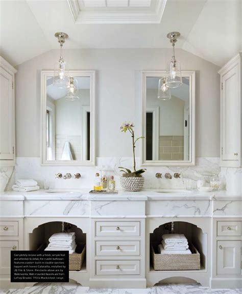 White Country Bathroom Vanity by 1000 Ideas About Country Bathrooms On