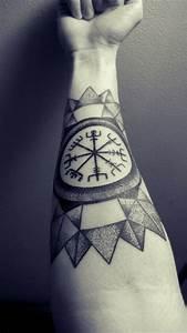 Mandala Tattoo Unterarm : keltische oder andere zeichen im tattoo design integrieren tattoo unterarm tattoo tattoo ~ Frokenaadalensverden.com Haus und Dekorationen