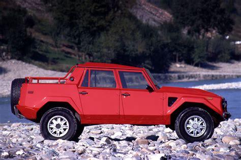 LM002.lamborghini_lm002_6 - HR image at LamboCARS.com