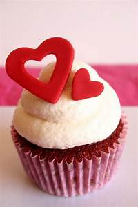 Creative Valentine's Day Cupcakes - looks easy to make ...