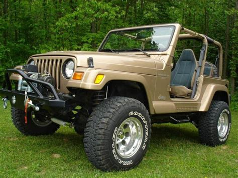 stanced jeep liberty 1000 images about jeeps on pinterest jeep cj7 jeep