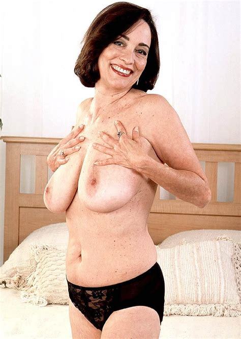 Hot Mature Sluts Picture 7 Uploaded By Ewar 1171 On