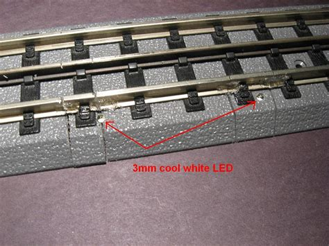 bed with attached subway track spark simulation o railroading on