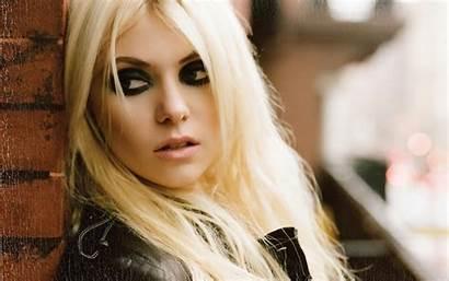 Momsen Taylor Pretty Reckless Singer Michel Religious