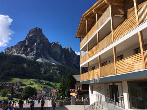 hotel villa tony corvara planus