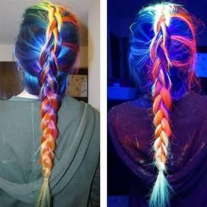 Farbe Die Im Dunkeln Leuchtet Ohne Schwarzlicht : glow in the dark rainbow hair leuchtet jetzt auch im dunkeln hair color fun bunte haare ~ Orissabook.com Haus und Dekorationen