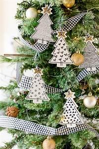 Farmhouse, Ornaments